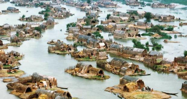 Undeva în Sud-ul Irakului se trăiește și azi pe apă, așa cum au făcut-o cei mai vechi mesopotamieni cu milenii în urmă