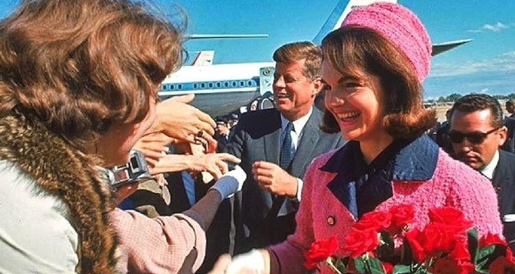 "Jack si Jackie - Aeroportul ""Love Field"" din Dallas"