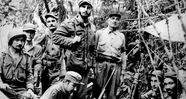 """Fidel Castro în timpul """"campaniei"""" din Sierra Maestra"""