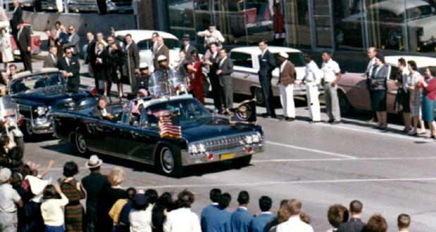 Coloana oficială în Dallas - 22.11.1963