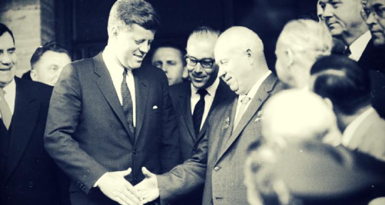 John F. Kennedy si Nikita Khrushchev
