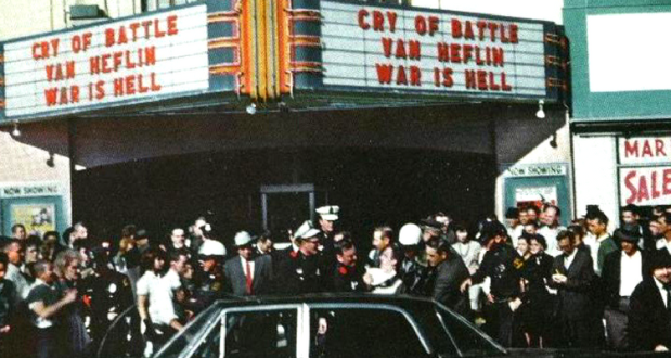 """Momentul retinerii lui Oswald - """"Cinematograful Texas"""""""