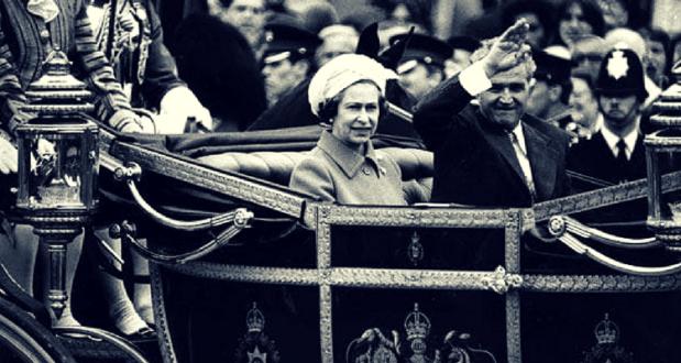 Nicoale Ceausescu si Regina Elisabeta a II-a a Regatului Unit