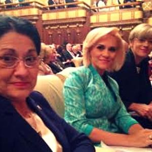 Kati, Gabi si Corina