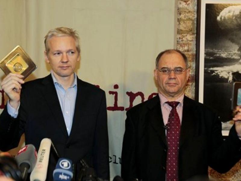 Assange și Rudolf Elmer (autorul scurgerii de la Julius Bär)